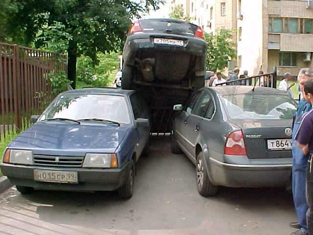 Сейчас во дворах автолюбителям приходится парковаться.  В Саранске построят дополнительные парковки.